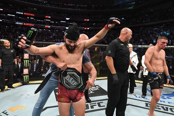 UFC244综述:迪亚兹因伤败北 马斯达威尔加冕头号狠人