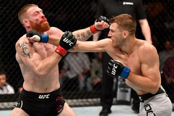 UFC格斗之夜168综述:霍克尔判定险胜 菲尔德赛后退役
