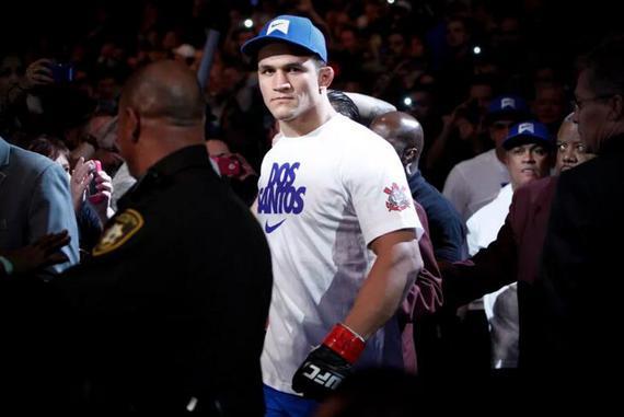 前UFC重量级冠军桑托斯将给图瓦萨带来巨大的考验