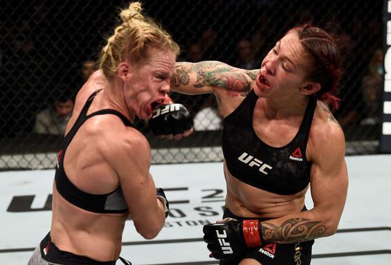 机械兽生涯7大经典战役 对决吉娜引发女子MMA热潮
