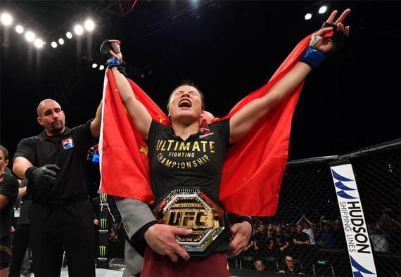 张伟丽成为了中国历史上的首位UFC冠军