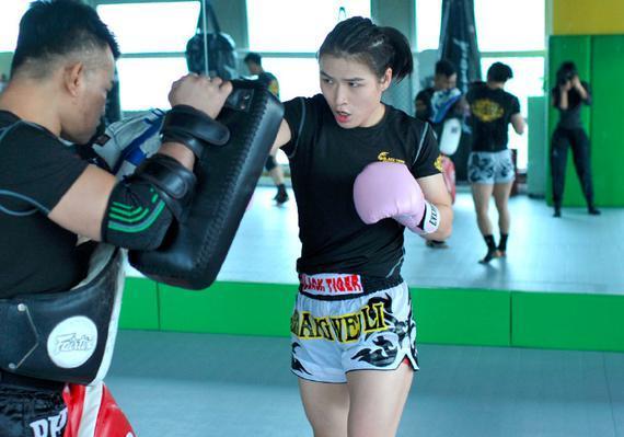 张伟丽:从小就喜欢格斗 要让世界看到亚洲女性的力量