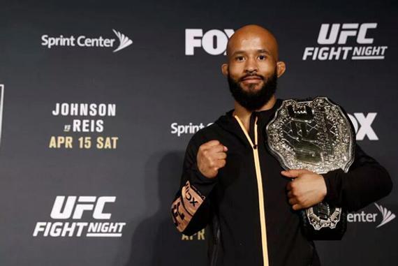 狄米崔斯-约翰逊追平了UFC冠军头衔的最高连续卫冕记录
