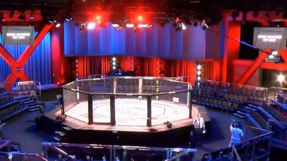 白大拿、劳伦斯揭秘UFC APEX:它是无所不能的格斗中心