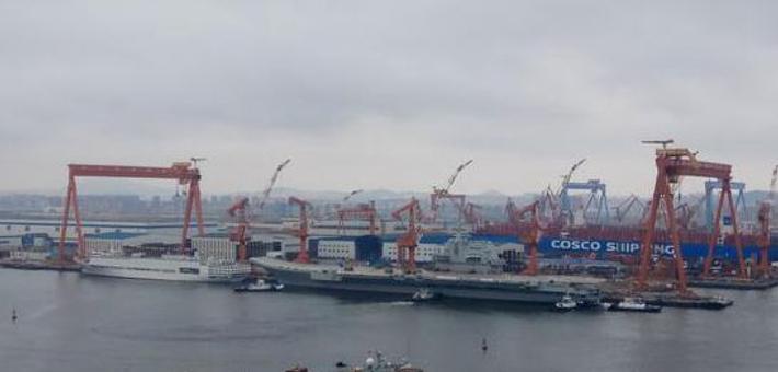 现场:中国首艘国产航母海试