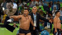 蒙古教练脱衣抗议判罚