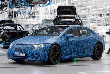 奔驰将继续推出基于MEA平台的EQ系列车型 C级电动车推迟至2024年