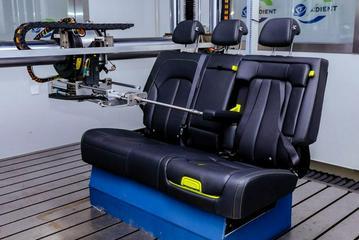 注重安全 便捷灵活 全新荣威RX5 PLUS集成式儿童座椅解析