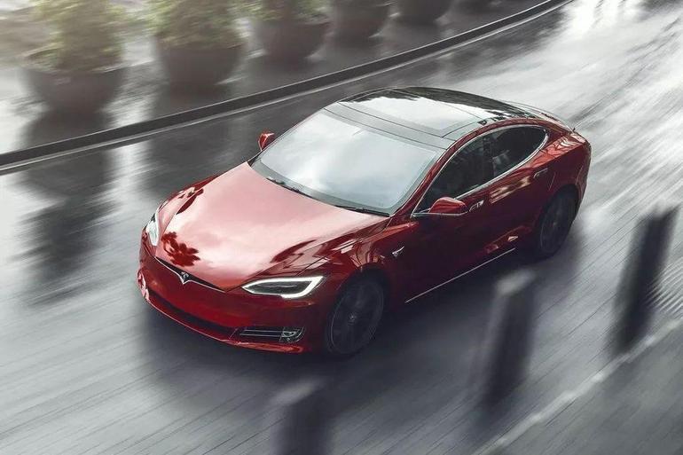 15分钟充电续航200英里 特斯拉Model S获得最快充电速度