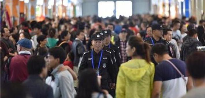南博会开幕4天超45万人逛展