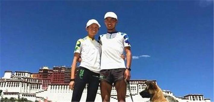 90后情侣带狗从杭州跑步到拉萨