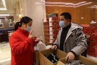 醫護人員要保護好 在武漢的5位溫州老板變身搬運工