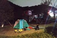 湖北男子不敢住酒店 在杭州湘湖邊搭帳篷過夜