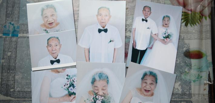 美好!宁波九旬老人拍婚纱照