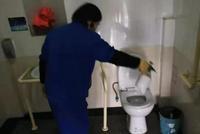 8萬環衛工人沒有回家過年 留在杭州保障城市清潔