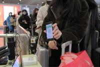 杭州東站推出全新工作方法 幫助旅客有序出行