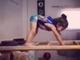 视频-厉害了我的小萝莉!徒手爬墙+各种后空翻