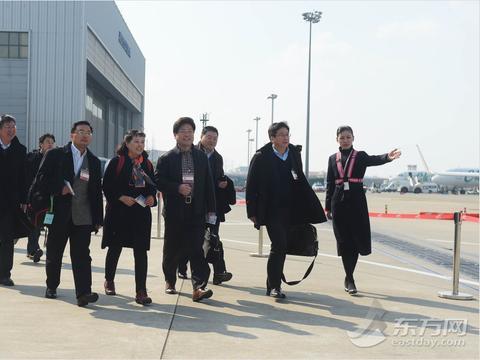 98名在沪全国政协委员赴京 预提交提案115件