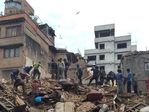 1级地震 有房屋倒塌