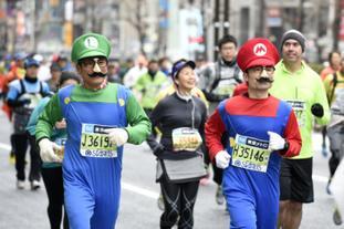 马拉松赛动漫造型雷人