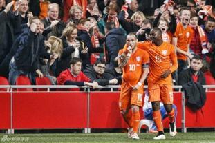 欧预赛荷兰1-1土耳其