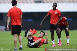 上海上港训练备战恒大