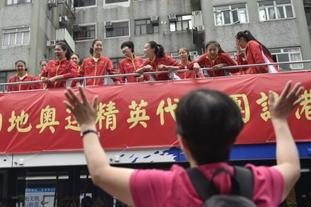 中国女排访港花车巡游