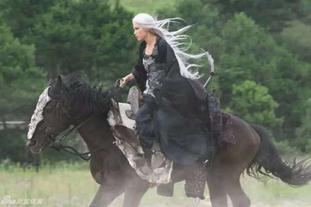 帅气女星骑马照大PK