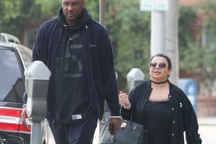 奥多姆与矮胖萌旧爱街头散步