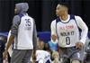 图文-NBA全明星训练 威少、杜兰特形同陌路