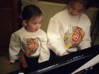 多多带妹妹学钢琴.穿同款可爱