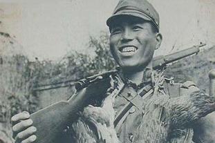 日军进村偷鸡摸狗