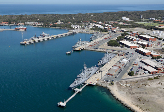 澳大利亚海军准航母搞演习