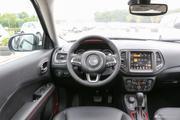 有颜值还有料,内外兼修的Jeep指南者最高直降4.13万啦!