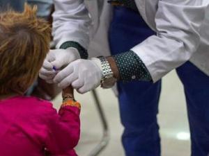 器械重复用 巴基斯坦900名儿童感染艾