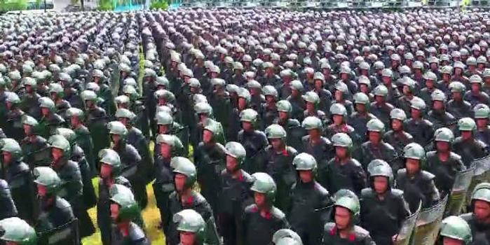 被深圳市民发现的防暴演练 震撼高清视频来了