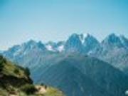 常年被积雪覆盖的俄罗斯厄尔布鲁士峰