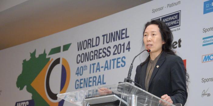 史上首位 中国隧道专家严金秀当选国际隧协女主席
