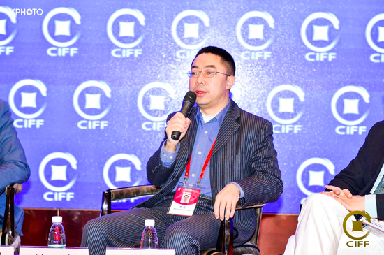 樊磊:推動人民幣國際化需在約束貨幣發行等方面努力