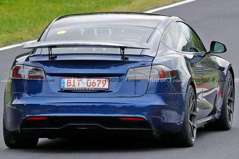 带有尾翼的Model S Plaid测试原型曝光