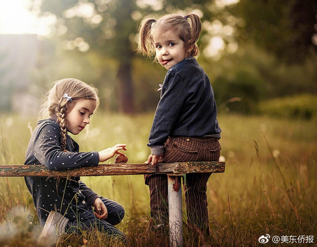 摄影师Olya Nagornaya是两个孩子的母亲,对她来说没有什么比拍下自家宝贝快乐的童年更重要的事情。