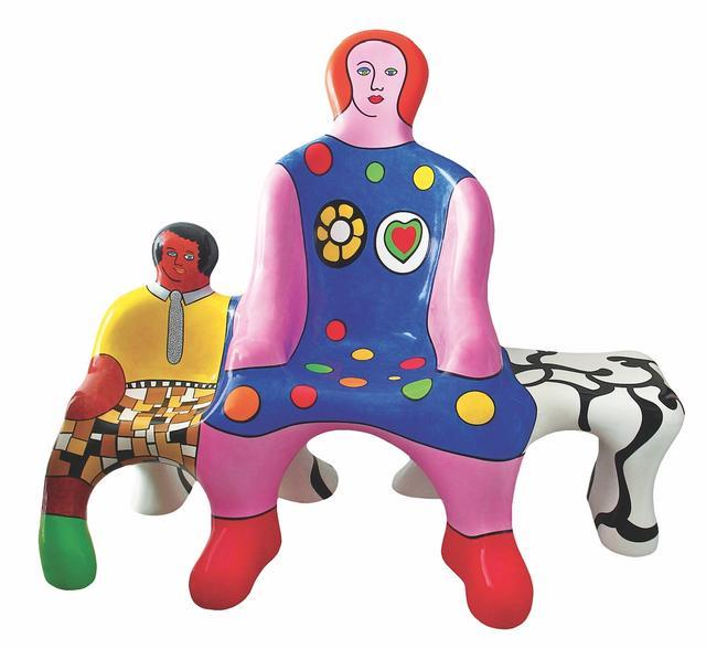 """妮基-圣法勒的经典作品与传奇人生将在""""妮基-圣法勒——二十世纪传奇女艺术家及她的花园奇境""""展览中,得以全面立体地呈现。展览将于2018年11月23日在今日美术馆一号馆隆重展出,展期至2019年3月10日。"""