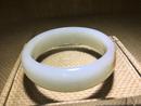 手鐲2 和田玉籽料白玉 手寸內徑57mm 條寬18mm 88克 2013年 30萬