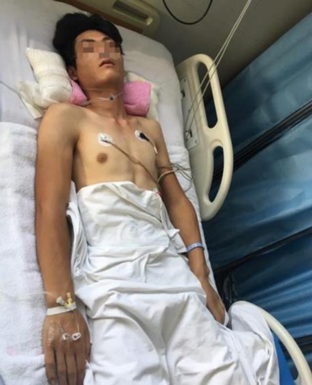 2017年9月12日报道,北京一名快递员送件时因与收件人发生争执,随后被对方打致高位截瘫,目前正在医院重症监护室抢救。而打人者也已被朝阳区高碑店派出所行政拘留。