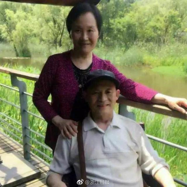 """杭州捐献遗体俱乐部有一位特殊成员,叫蔡耀富。""""他小脑萎缩,小脑管运动,所以他无法控制肌肉站立了。""""这是一种不治之症。后来,他3个哥哥也陆续发病。他和妻子商量:""""要么,我也把我的大脑捐出去,让科学家用我的脑子研究一下这个特殊的病?牺牲我一个脑子不要紧,要紧的是可以造福下一代,不要让更多的人受这种病的折磨了。"""""""