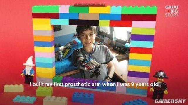 """""""从小时候起我就喜欢玩乐高,拼出了飞机、骑车、摩托车,而现在,我拼出了个手臂。"""""""