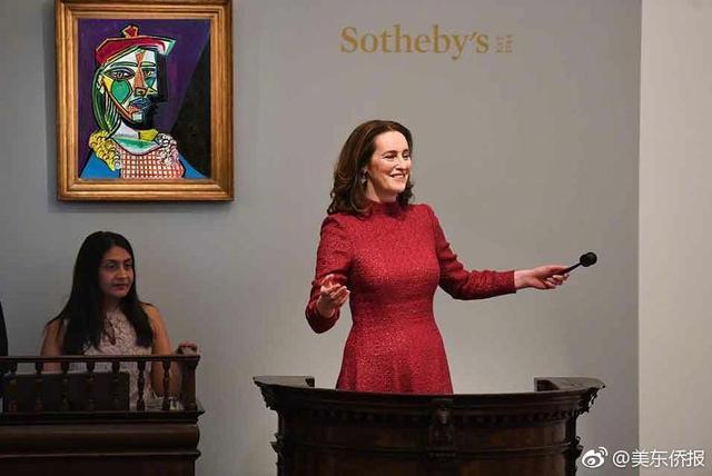 据纽约时报报道,近日,毕加索作品再次出现在苏富比拍卖会场上,并以6900万美元(折合人民币约4.3亿元)的价格成交,创下欧洲油画拍卖纪录。值得注意的是,该作品的预期成交价为5000万美元(折合人民币约3.1亿元)。这样的成交价也使得其成为毕加索十大最高拍卖成交价作品之一。至于该作品的买家和卖家,目前还不得而知。