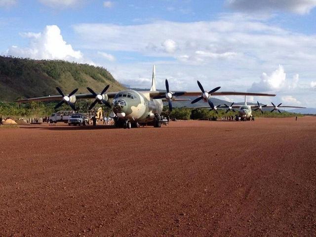 近日有网友上传了南美委内瑞拉装备的中国产运-8战术运输机的服役场景。