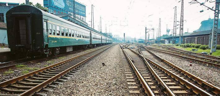 """铁路""""公交化"""":到哪都是半小时"""