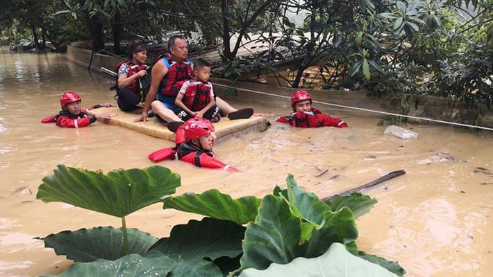 广西遭暴雨 沿海多地严重内涝